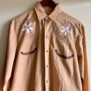 Western Wear Pearl Snap Button Down size L